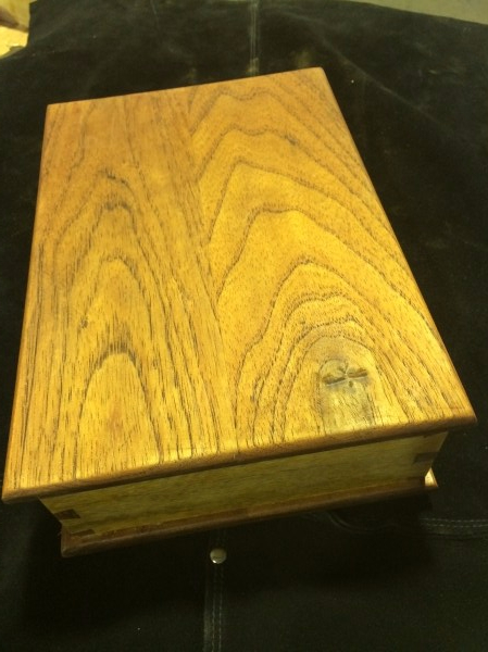 Book-matched lid
