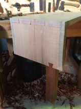 Sliding dovetail leg